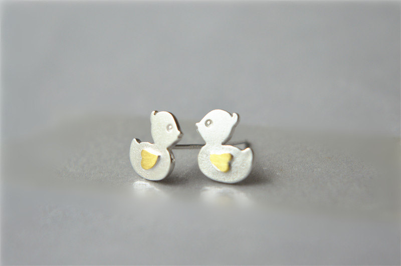 Duck shape, sterling silver stud earrings with 14k gold plating, lovely special pair(D182)