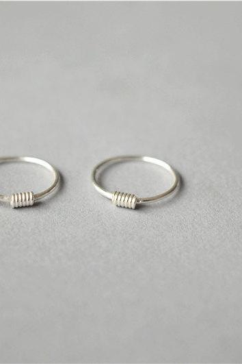 Tiny circle sterling silver earrings, daily wear jewelry, simple but dainty (K6)