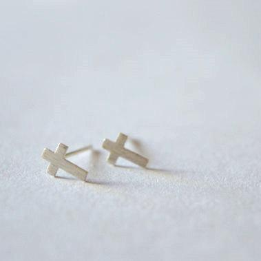 Cross stering silver stud earrings, tiny little dainty pair (D137)